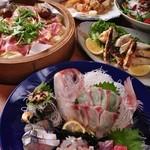 魚樽 - 料理写真:5000円コース フリードリンク付き 《コース内容 全9品》 贅沢 旬魚!アコウ姿造りと4種盛り+牛ロース炭焼き+フグチリ鍋付コース