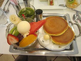 渋谷西村 フルーツパーラー - ホットケーキとあんみつ