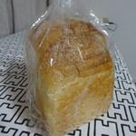 パン ド イル - イギリス食パンハーフ