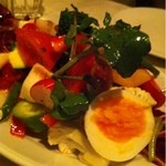 Antica Trattoria M's dal 1995 - 色々野菜のサラダ。新鮮で野菜たっぷり。