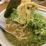 別邸 三く 中華き蕎麦 萃 - 中太縮れ麺