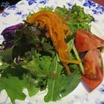 ステーキハウス キッチン飛騨 - セットのサラダ