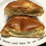 アール・ベイカー - クリームパンの断面