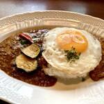星乃珈琲店 - 夏野菜カレー(いつものビーフカレー)とキーマの合いがけ どちらも甘いおうちカレーでした。
