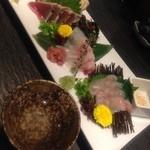 酒肴旬漁 狸穴 - 「阿部勘」と「刺身3点盛」1280円。