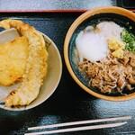 植田うどん - 料理写真:温玉肉ぶっかけ(冷)&下足天&とり天