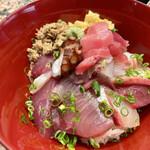 割烹 中むら - 鳴海丼(なるかどん) 小鉢やデザートなど付き2,750円