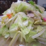 長崎亭 - 野菜が山盛り。  きゃべつの割り合いが多くて。