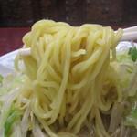 長崎亭 - 麺は、普通の中太麺。