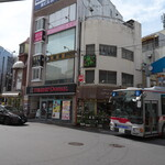 日吉 大勝軒 - 日吉駅前、右の浜銀通りを行きましょう