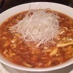 15698990 - 酸味と辛味があるとても美味しい酸辣湯麺