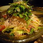 憲晴百 - じゃこと大根の梅肉トロロサラダ