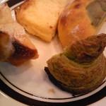 15699745 - ランチビュッフェのパン→ブリオッシュ・フレンチトースト・かぼちゃパン・抹茶デニッシュ