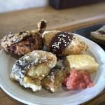 157022659 - ◆鶏唐揚げ・ホッケの唐揚げ・何かのフライ・玉子焼き・明太子。 これもボリュームがあります。唐揚げと玉子焼きが好み。