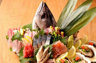 渋谷イカセンター - 鮮度抜群!朝獲れ天然地魚の【鬼盛り】!