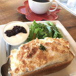 カフェ モンタナ - メレンゲとツナのマヨトーストモーニング ドリンク代+¥100