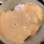 Mugiyagyosembou - 海老芋のとろろ汁。チョッピリ茶色が強いと思いますが、味は変わらない。(−_−;)