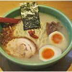 麺匠 喜楽々 - 料理写真:味玉入りらーめん(細麺) 870円