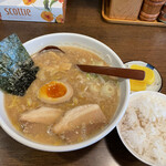 らーめん初代一国堂 - 料理写真:「Aセット(正油らーめん+餃子+麦飯+小鉢)」880円