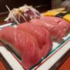 ぶんぶく寿司 - 料理写真:握り2貫 500円 とろ、中トロ 握り2貫 250円 ぎょく 季節ネタの握り かつお