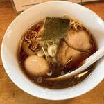 中華そば 閃 - 料理写真:煮たまご醤油中華そば