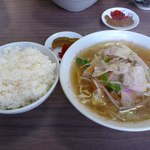 丸窓食堂 - 料理写真:チャンポン定食 730円