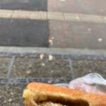 デーリーファーム - 料理写真:チーズカレーパン 揚げたてではないけど、外側はカリカリ◎子どもでも食べられるカレーパン。辛くない。美味しい。