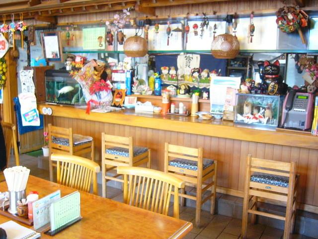丸竹食堂 - アットホームな店内。でも、広いです。