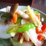 佛沙羅館 - イカの生姜八宝菜