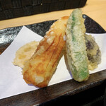 天ぷらとワイン 小島 - 特選天定食(レンコン、ちくわ、ナス、ししとう(旬野菜))