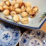 ささの葉 - ギンナン(酒と塩をつけて食べる)