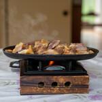 鹿原 - 料理写真:2021.8 鶏の炭火焼き タレ(880円)