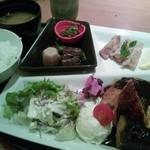 十二季家 歓 - サービス定食850円