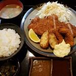 とん亭 - ロースカツMix定食。1550円。