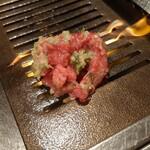 表参道焼肉 KINTAN - 山盛りにして、中を蒸し焼き。と、いうことですが・・・。