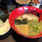 Ramenzundouya - Aランチ(ラーメン&チャマヨ丼)890円