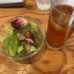 Cafe 湘南テラス - セットのサラダとアイスティー