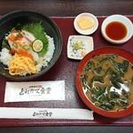 Kitanadagyokyouchokusou toretateshokudou - イカすイカ丼