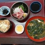 Kitanadagyokyouchokusou toretateshokudou - 鯛・すだち鰤の刺身定食