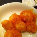 中国菜館 桃の花 - 芝エビと鶉卵のチリソース