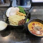 ラーメン あおやま - 料理写真:冷製担々つけ麺と〆のミニライス