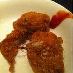 中国菜館 桃の花 - 鶏肉のバジルパン粉揚げ