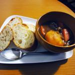 紅茶とお酒の店 teato - 紅茶で煮込んだ牛すじ肉のビーフシチュー