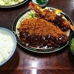 ささ乃木 - 料理写真:とんかつ定食(¥700)と、海老フライ1本(¥400)