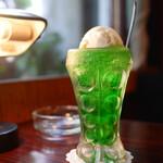 喫茶 銀座 - クリームソーダ
