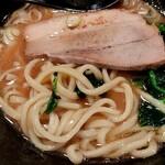 横浜家系ラーメン 梅田家 - 太麺とチャーシュー