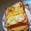 アテローゴ - 料理写真:4枚切りトースト。チーズタップリ展開されて!
