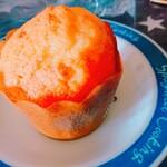 エール - 料理写真:マフィンケーキ プレーン(¥120)。 ホロホロとふわふわ!