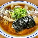 福々亭 - 料理写真:醤油わんたん麺 950円