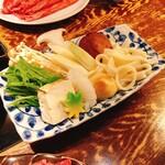 飛騨牛一頭家 馬喰一代 - 飛騨牛すき焼きランチ(150g 2,300円)